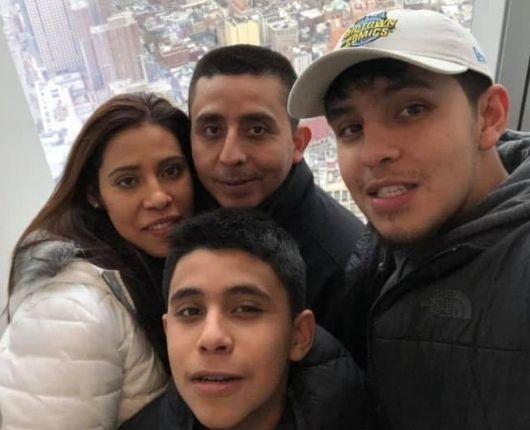 Maricruz Del Aguila - Novarise Latino Testimonios:Reviews